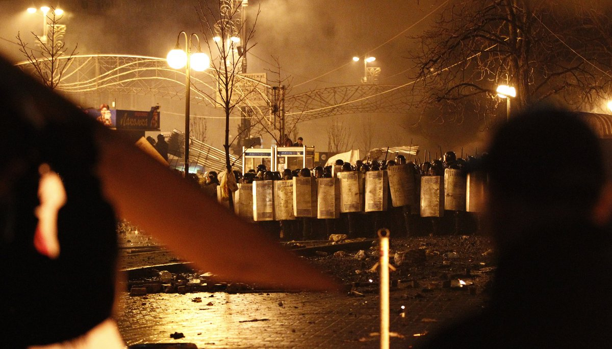 riot-police-stormed-the-square-and-took-over-about-a-third-of-it-overnight