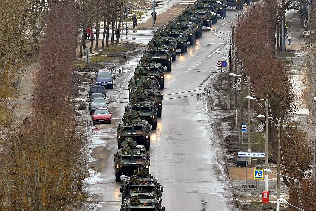 01_usa_and_nato_parade_in_estonian_narva.jpg