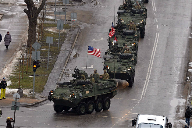 04_usa_and_nato_parade_in_estonian_narva.jpg